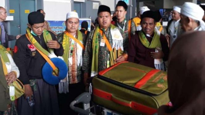 Jemaah Indonesia gagal berangkat umrah.