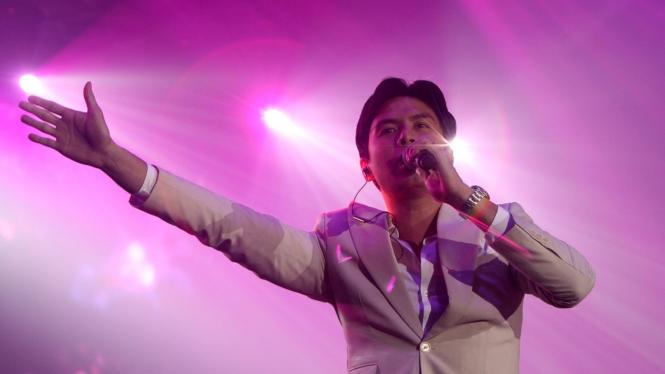 Christian Bautista di Romantic Valentine Concert