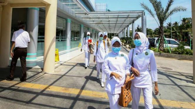 Para tenaga medis di RSPI Sulianti Saroso Jakarta. Di rumah sakit itu lah dua pasien kasus pertama virus Corona di Indonesia dirawat  (Foto ilustrasi)