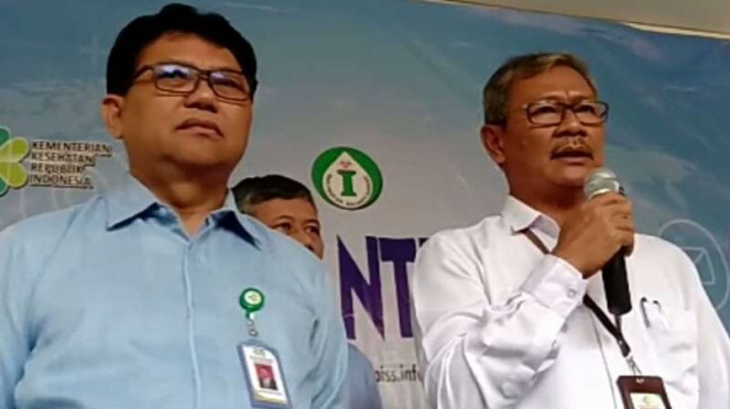 Juru Bicara Pemerintah untuk Penanganan Virus Corona, Achmad Yurianto (kanan).