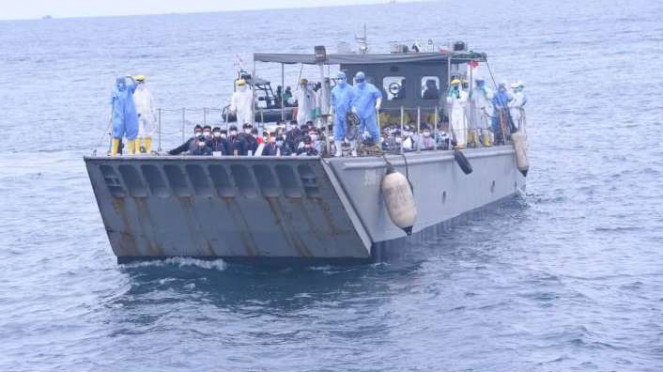 68 WNI kru kapal pesiar Diamond Princess tiba di Pulau Sebaru Kecil.