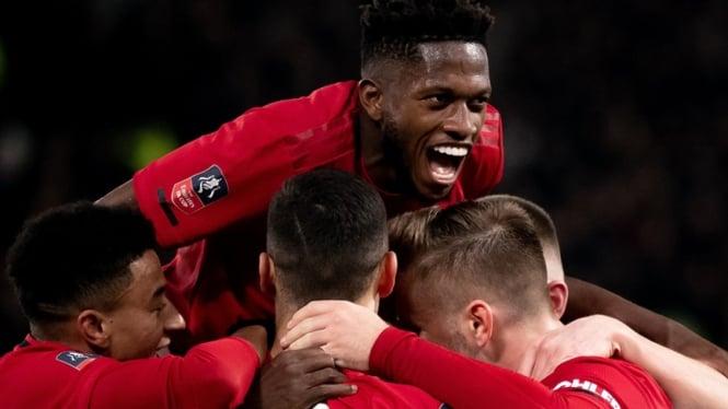 Pemain Manchester United merayakan gol ke gawang Derby County