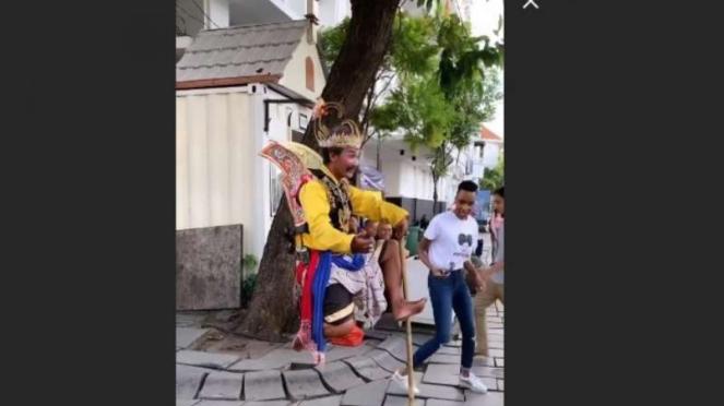 Miss Universe Zozibini Tunzi heran lihat Gatot Kaca melayang