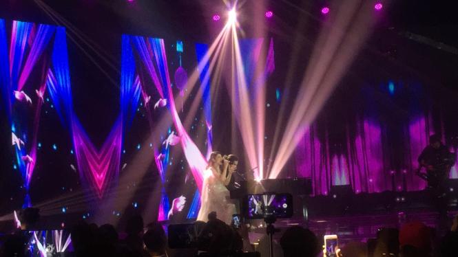 Dul dan Tiara Tampil di Panggung Indonesian Idol, Maia: Kurang Mesra