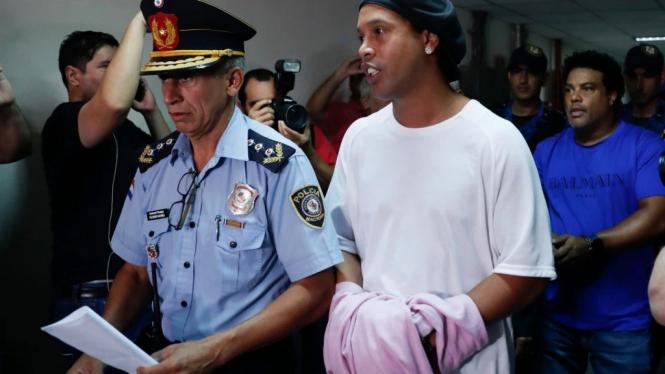 Ronaldinho ditangkap di Paraguay