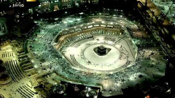 Ilustrasi suasana di Kabah, Masjidil Haram, Arab Saudi.
