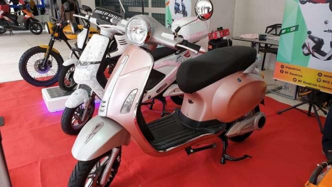 Ilustrasi sepeda motor yang dikonversi jadi kendaraan listrik