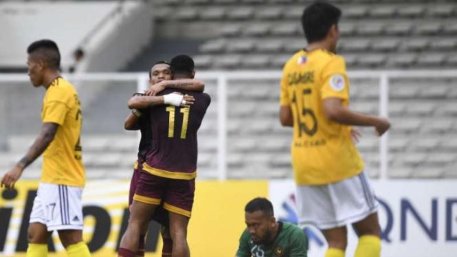 Duel PSM Makassar vs Kaya FC.