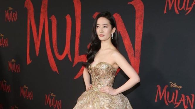 Aktris Mulan, Liu Yifei.
