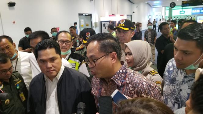 Wamen BUMN Kartika Wirjoatmojo (Kanan) dan Menteri BUMN Erick Thohir