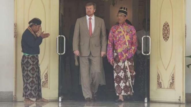 Raja Belanda Willem Alexander dan Sri Sultan Hamengkubuwono X di Keraton Yogya