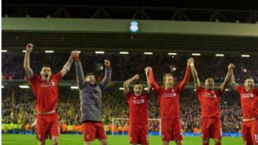 Para pemain Liverpool di Stadion Anfield.