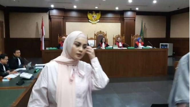Jennifer Dunn di sidang pengadilan