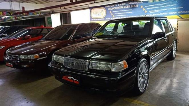 Mobil bekas Volvo 960 dan Honda Accord Maestro