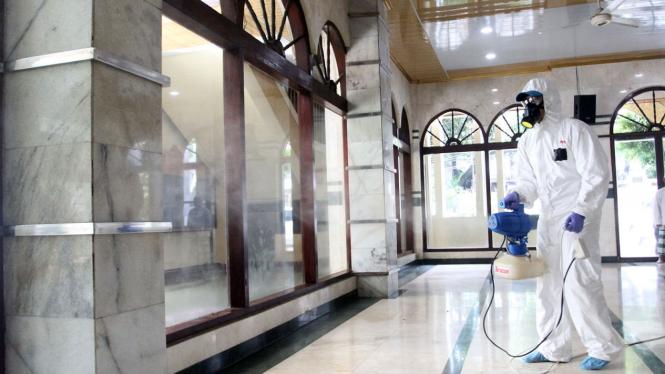 Penyemprotan Disinfektan di Rumah Ibadah,, Pencegahan Corona atau Covid-19
