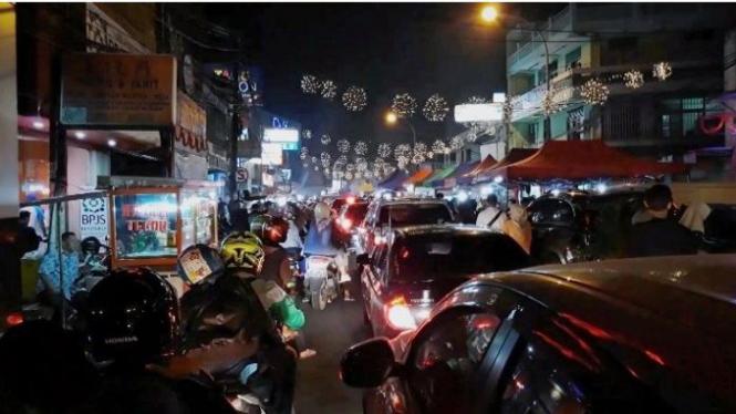 Suasana Pasar Lama Tangerang di malam hari