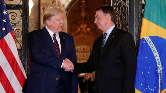 Presiden Brasil Jair Bolsonaro saat bertemu Donald Trump, 7 Maret lalu.