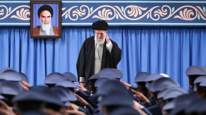 Pemimpin besar revolusi Iran, Imam Sayyid Ali Khamenei