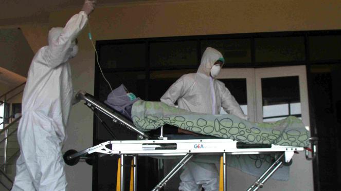 Ilustrasi simulasi penanganan pasien suspect virus corona