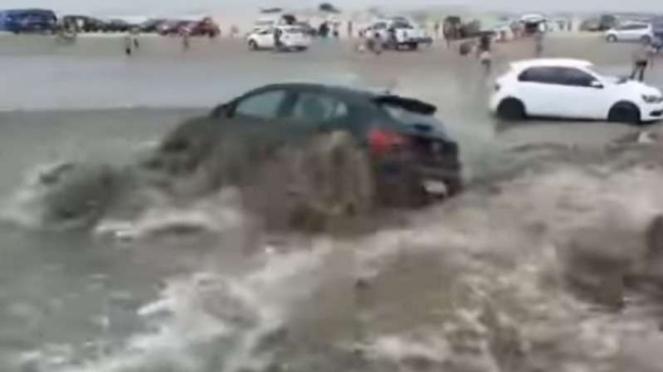 Tsunami di Brazil.