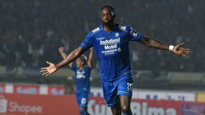 Striker Persib Bandung, Geoffrey Castillion