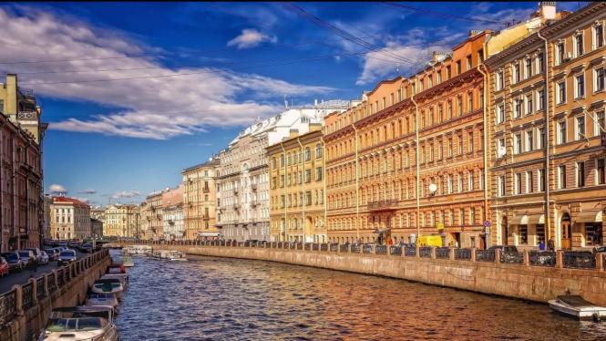 Berkunjung ke Saint Petersburg, Rusia