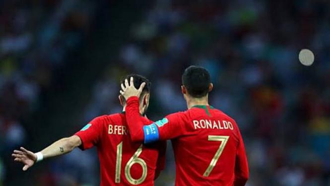 Bruno Fernandes dan Cristiano Ronaldo