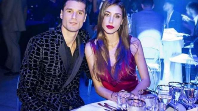 Antonio Candreva dan istrinya Allegra Luna.