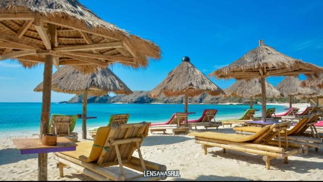 Pesona Pantai Tanjung Aan Lombok