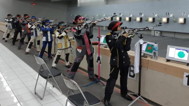 Atlet Menembak KONi Kabupaten Bekasi saat berlatih di venue