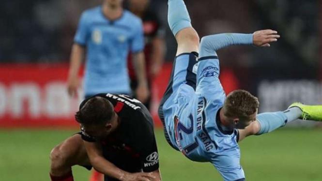 Duel Western Sydney Wanderers vs Sydney FC di A-League.