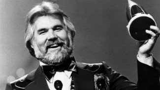 Kenny Rogers tutup usia
