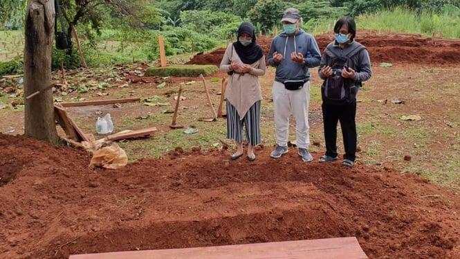 Pemakaman korban COVID-19 tanpa ada pelayat.