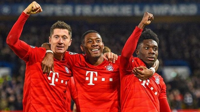 Bek Bayern Munich, David Alaba (tengah)