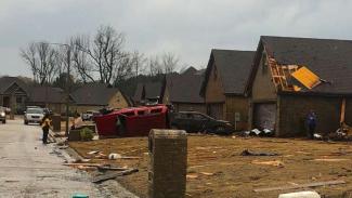 Kerusakan akibat tornado di Arkansas, Amerika.