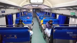 Kereta api di Sumatera Utara terlihat kosong akibat corona