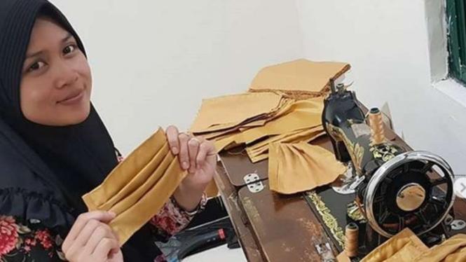 VIVA Militer: Istri Prajurit TNI ciptakan masker.