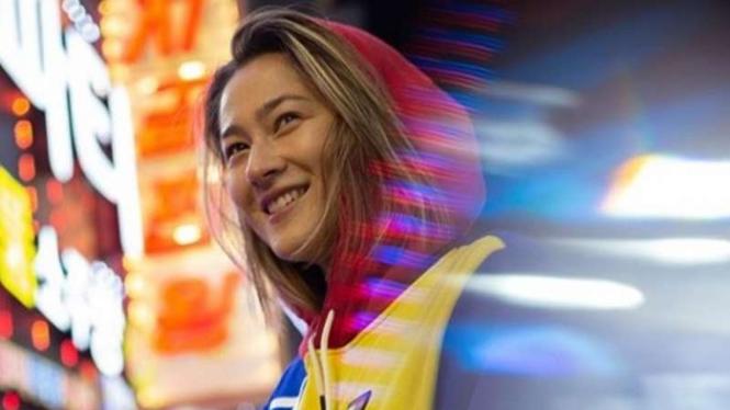 Pesona Bidadari Bulutangkis Australia Pakai Batik saat Pandemi Corona