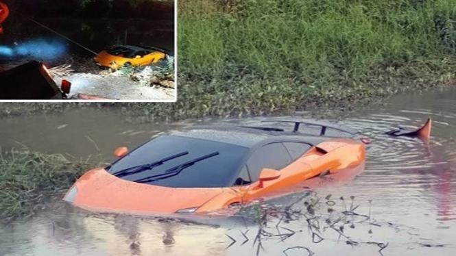 Lamborghini Aventador nyemplung ke sungai.