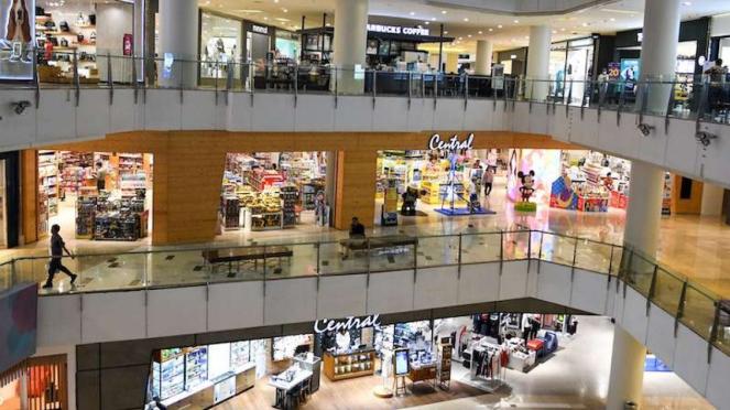 Salah satu pusat perbelanjaan di Jakarta sepi pengunjung sejak wabah virus Corona merebak di Ibu Kota. (Foto Ilustrasi)