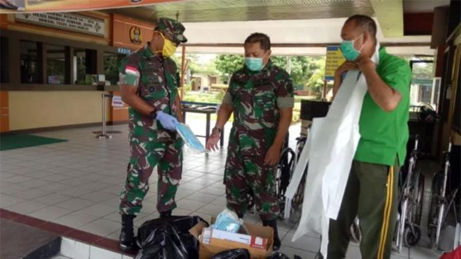 Sumbangan APD TNI AD