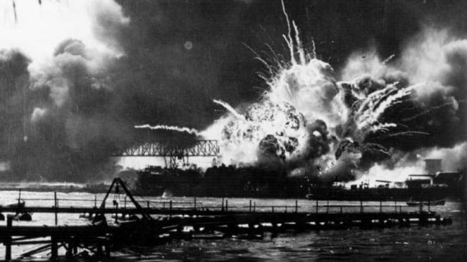 VIVA Militer: Pangkalan Militer AS, Pearl Harbour diserang Jepang
