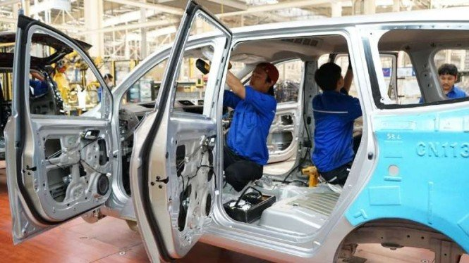 Ilustrasi industri otomotif.