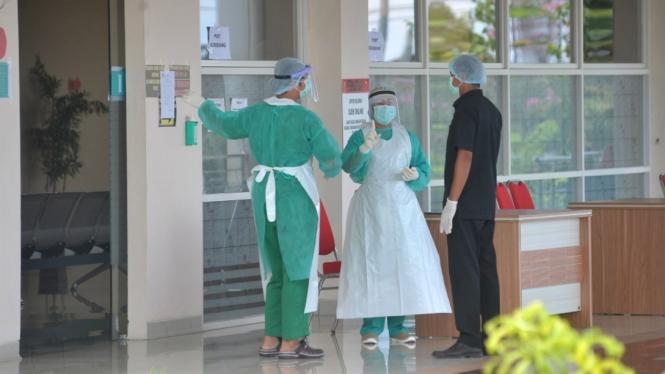 Suasana operasional rumah sakit.