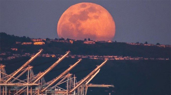 Super Pink Moon
