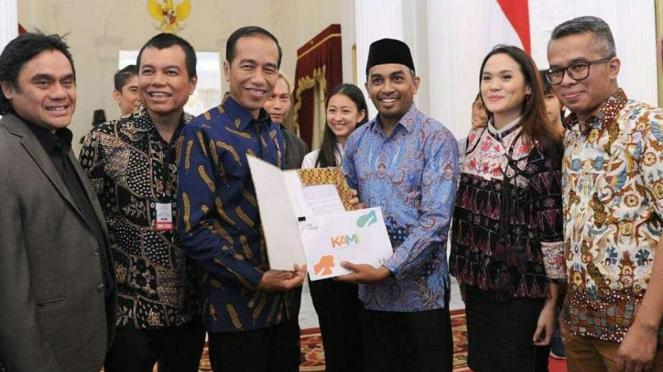 Presiden Jokowi dan Glenn Fredly di Istana Merdeka Jakarta.