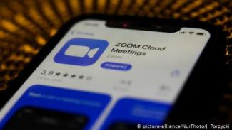 Aplikasi Zoom.
