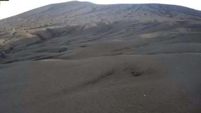 Gunung Krakatau usai meletus