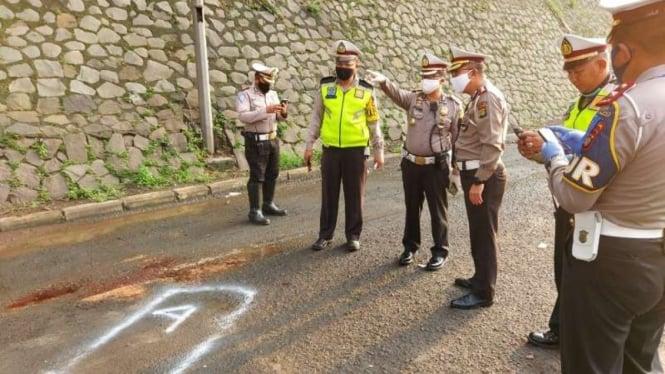 Kecelakaan di Tol Jorr, 5 pekerja tewas ditabrak sedan