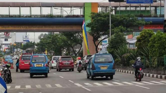 Aktivitas kendaraan di Depok saat PSBB.